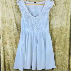 FREE PEOPLE white flutter mini dress crochet M